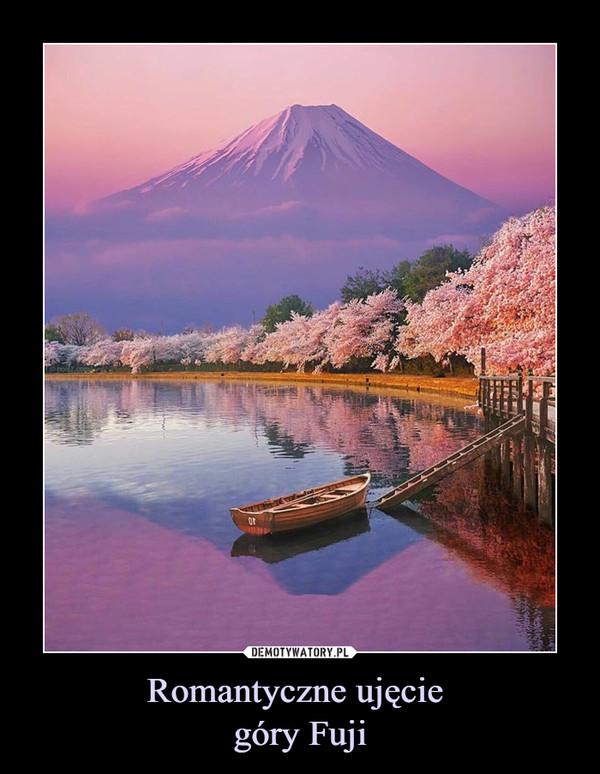 Romantyczne ujęcie góry Fuji –
